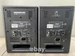 Mackie MR5 Powered Studio Monitor PAIR (2), Active Speakers for Home Studio